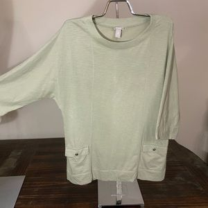 Chico's 2 green top light green round neck size L